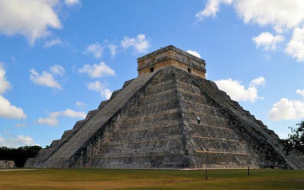 Die bekannteste Pyramide im Tempelkomplex von Chichèn Itza.