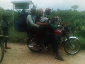 Auf dem Weg von Goma nach Butembo in der demokratischen Republik Kongo, September 2011 (Bild: Martin Näf)