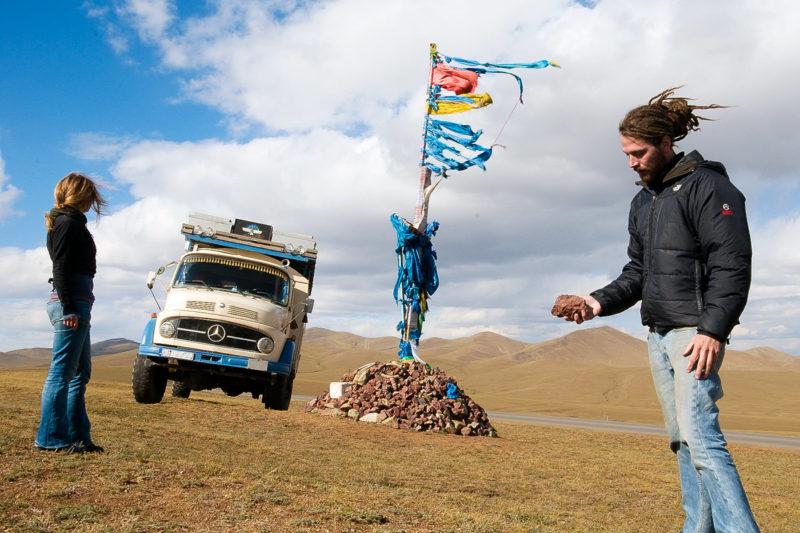 Bei den Oovos dankt man den Geistern für die überstandene Fahrt und bittet um eine gute Weiterreise.