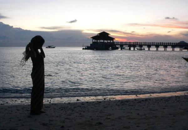 Backpacking in Malaysia: Die Perhentian Islands an der malaysischen Ostküste belohnen jeden Rucksackreisenden mit wunderschönen Sonnenuntergängen. Foto: Oliver Zwahlen