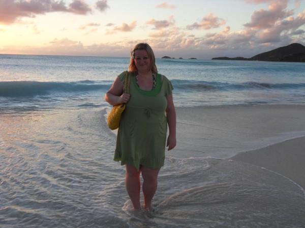 Linda Sabin an einem ihrer exotischeren Zielen: Das karibische Antigua.