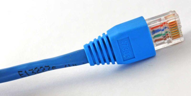 Stecker gezogen: Das Internet funktioniert oft nur sehr langsam oder gar nicht. Foto: S.Geissler / pixelio.de