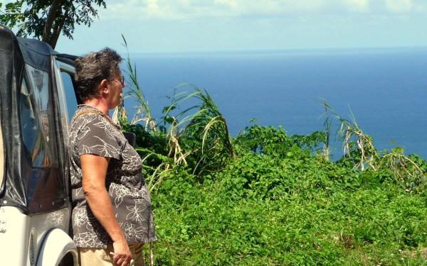 Blick auf das karabische Paradies: Josefa Patience lebt seit vielen Jahren auf Tobago.