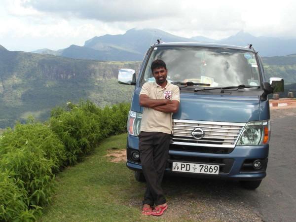 Mit dem eigenen Fahrer/Führer in die abgelegenen Gegenden des Hochlands von Sri Lanka.