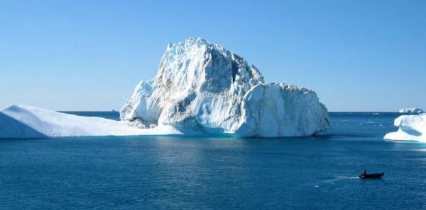 Eisberg bei Grönland: Eine der vielen Weltregionen, in der Bejamin bereits arbeiten musste/durfte.