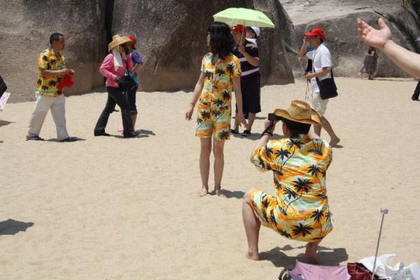 Chinesen tragen gerne Hainanhemden - eine Anlehnung an die bekannteren Hawaii-Hemden.