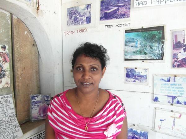 Der Initiative von Kamani de Silva hat Sri Lankas sein erstes Tsunami-Foto-Museum zu verdanken. Errichtet wurde es unweit der Stelle, wo am 26. Dezember 2004 rund 1.700 Menschen in einem Zug ertranken.