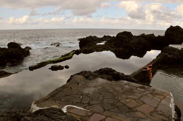 Lavapools wie der von Garachico im Norden von Teneriffa laden zum Baden ein. Foto: CTHOE / Wikimedia