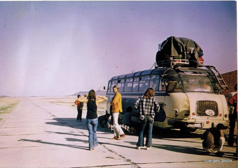 Hippie-Bus: Mit diesem Gefährt brachte Stollin seine Reisegäste nach Indien und Nepal. Foto: Jürgen Stollin