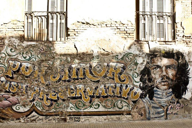 Buenos Aires: Wer mit offenen Augen durch die argentische Metropole reist, findet jede Menge Street Art. Fotos: Nina Needré