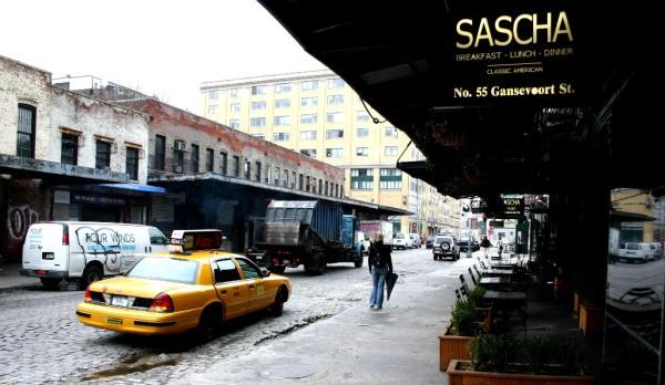 Eleganz und Verfall: Die Gansevoort Street ist die Lebensader des Meatpacking Districs. Foto: Patrick Gruban / Wikimedia.