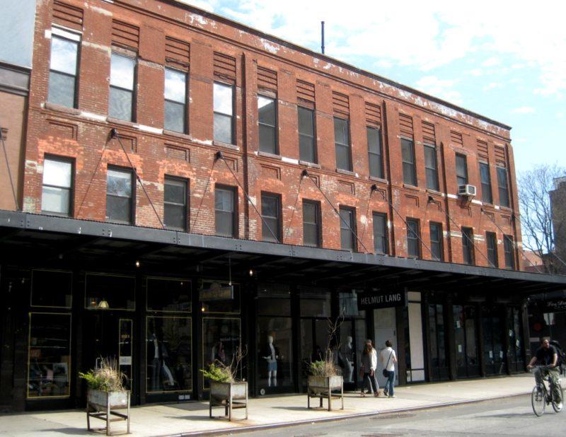 Gelebte Geschichte: Oben alter Schlachthof, unten tredige Läden: Foto: La Citta Vita / Wikimedia