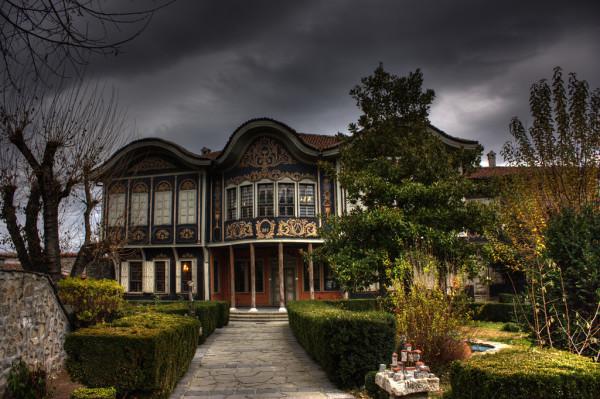 Das ethnographische Museum von Plovdiv besticht nicht nur durch seine Exponate, sondern auch seine wunderschöne Architektur. Foto Klearchos Kapoutsis / Flickr