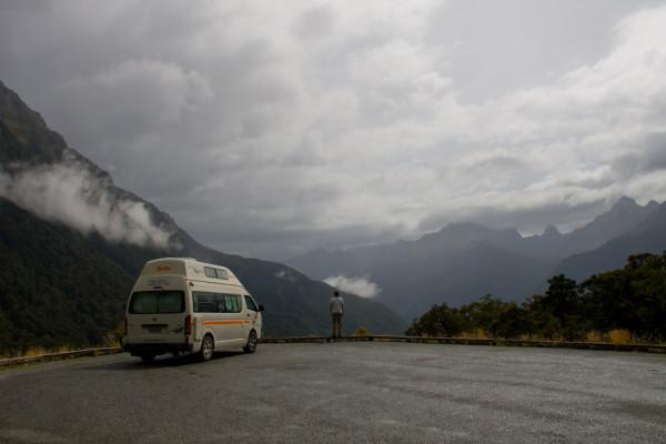 Milford Sound: Grandiose Natur wartet in Neuseeland an jeder Straßenecke.