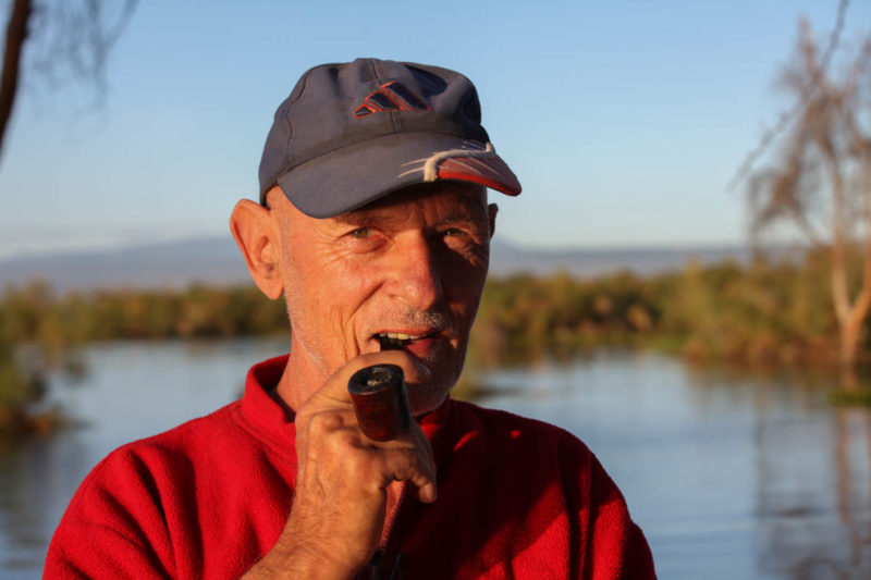 Der Schweizer Reise- und Tierfotograf Willi Dolder am Naivashasee in Kenia.