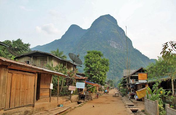 Weder Strom noch Handynetz: Muang Ngoi Neua im Norden Laos trumpft mit seiner Abgeschiedenheit: Foto: Stefan Diener.