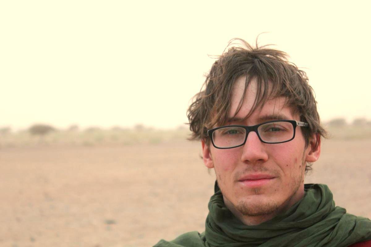 Beginn der halbjährigen Reise: Max Ittermann beim Durchqueren der Sahara. Bilder: Zu Verfügung gestellt.