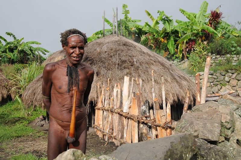 Das Koteka genannte Penisrohr gehört zur traditionellen Kleidung des Dani-Stammes (Foto: Heiko Meyer)