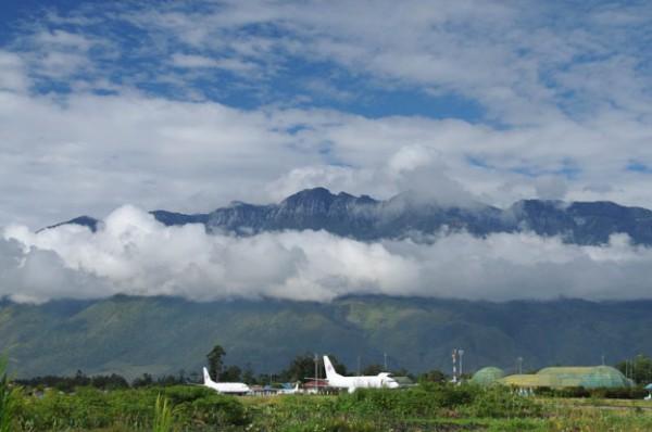 Der Airport von Wamena. Es gibt tägliche Flüge von und nach Jayapura (Foto: Heiko Meyer)