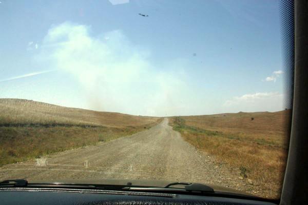Gut durchgeschüttelt: Die letzten 15 Kilometer nach Davit Gareja führen über eine Naturstrasse.
