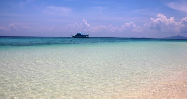 Koh Phi Phi: Nicht überall (wie hier auf der Bamboo Island) ist die Insel überlaufen.
