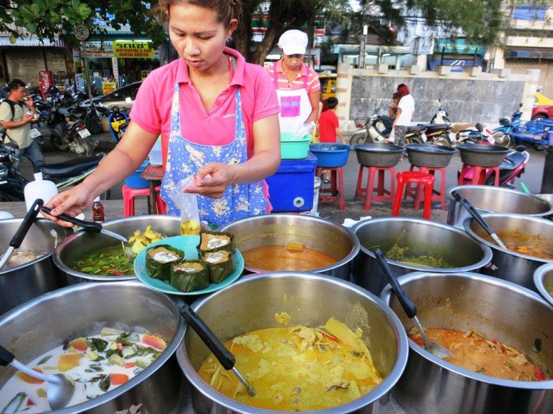 Leckereien bis zum Abwinken: Der Foodmarket am Nathan-Pier.