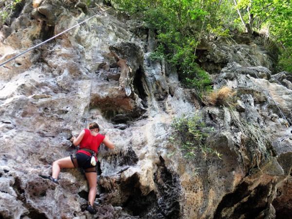 Kletterparadies: Krabi besticht nicht nur durch seine schönen Strände, sondern auch die grandiosen Kletterfelsen.