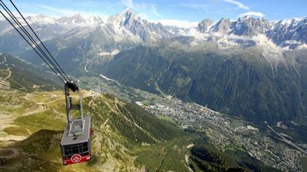 """Mit der Seilbahn auf den 2500 Meter hohen Le Brevent. Eines der vielen """"Highlights"""" von Savoyen. Fotos: O. Zwahlen"""