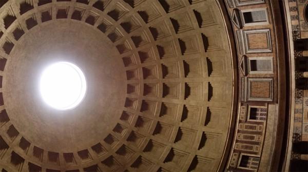 Das Oculus des Pantheon: Viele Jahrhunderte lang die grösste Kuppel der Welt.