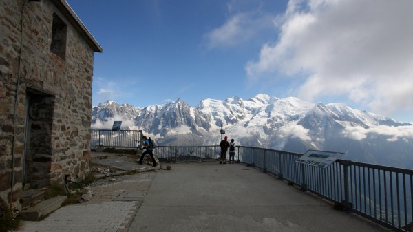 Unscheinbar und doch majestätisch: Der 4810 Meter hohe Mont Blanc.