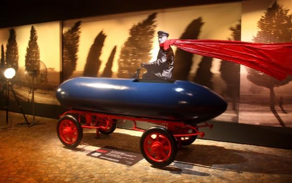 Niemals zufrieden: Die Jamais Contente fuhr bereits 1899 sagenhafte 100 Stundenkilometer.