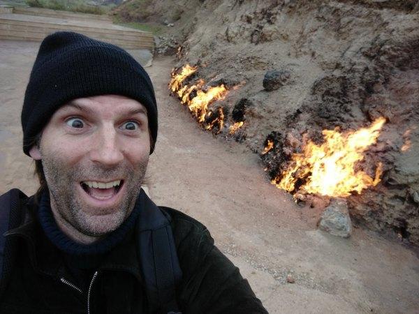 Der brennende Berg Yanar Dag.