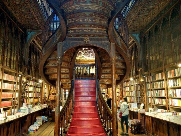 Die Livraria Lello e Irmão: Die vielleicht schönste Buchhandlung der Welt.