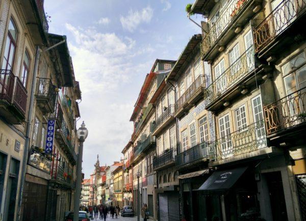 Den Stadtteil Ribeira solltest du als erste besuchen.