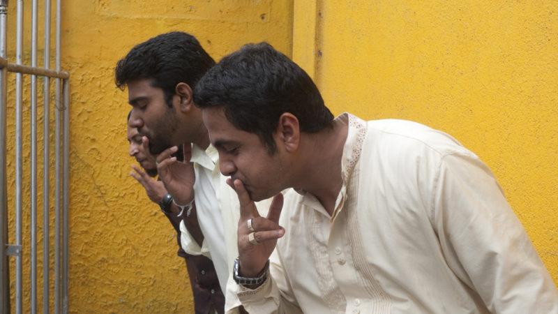 Gewöhnungsbedürftig: Das ständige Spucken beim Betelkonsum. Foto: Indi Samarajiva / Flickr