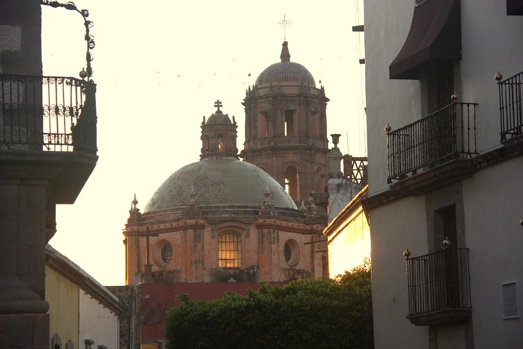 Blick auf eine der zahlreichen Kathedralen im Unesco geschützten Stadtkern von Queretaro. Fotos: Oliver Zwahlen