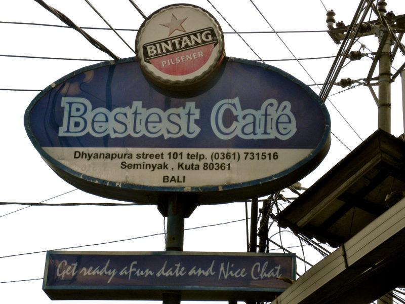 Nicht nur Traumstrände: Das bei digitalen Nomaden beliebte Seminyak bietet auch viele Cafés zum arbeiten. Foto: JasonParis / Flickr