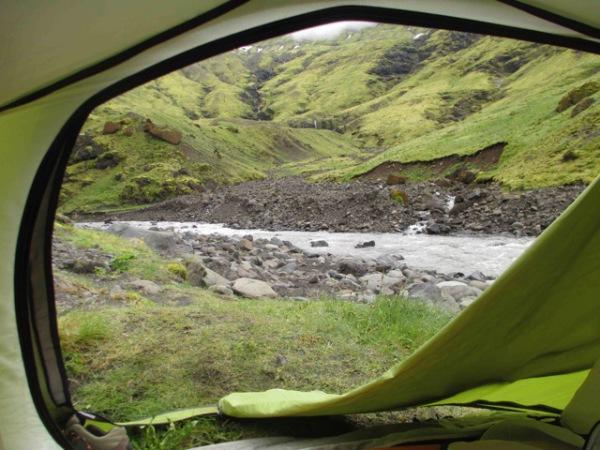Zelten in Island: Tolle Naturerlebnisse entschädigen für die Strapazen.