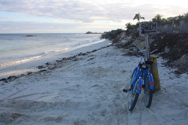 Am Strand vom Tulum herrscht das ganze Jahr Badewetter - tagsüber.