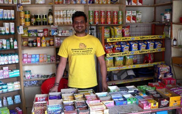 Indische Verkaufsstände: Hier ist stets Handeln angesagt. Foto: O. Zwahlen