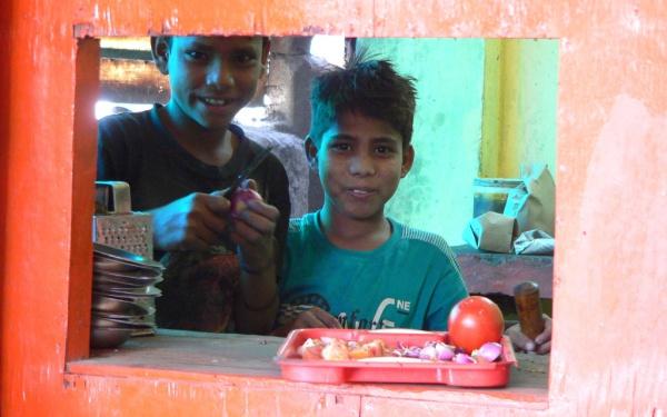 Hygiene-Problem Essen; Indische Restaurants sind häufig sehr einfach. Nicht immer können sie die Hygiene-Standards einhalten. Foto: O. Zwahlen