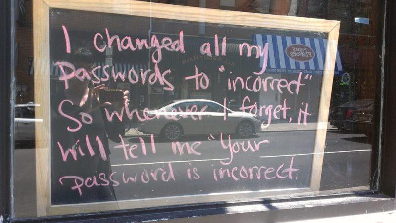 Passwort-Erinnerung: Nicht alle Passwörter, die sich leicht merken lassen, sind besonders sicher. Foto: Lulu Hoeller / Flickr