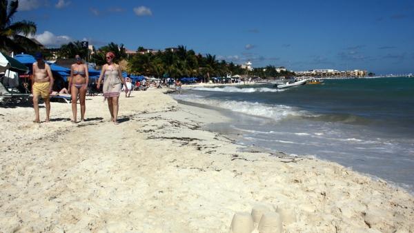 Der Strand von Playa del Carmen: Feiner, weisser Sand, der zum Baden einlädt.