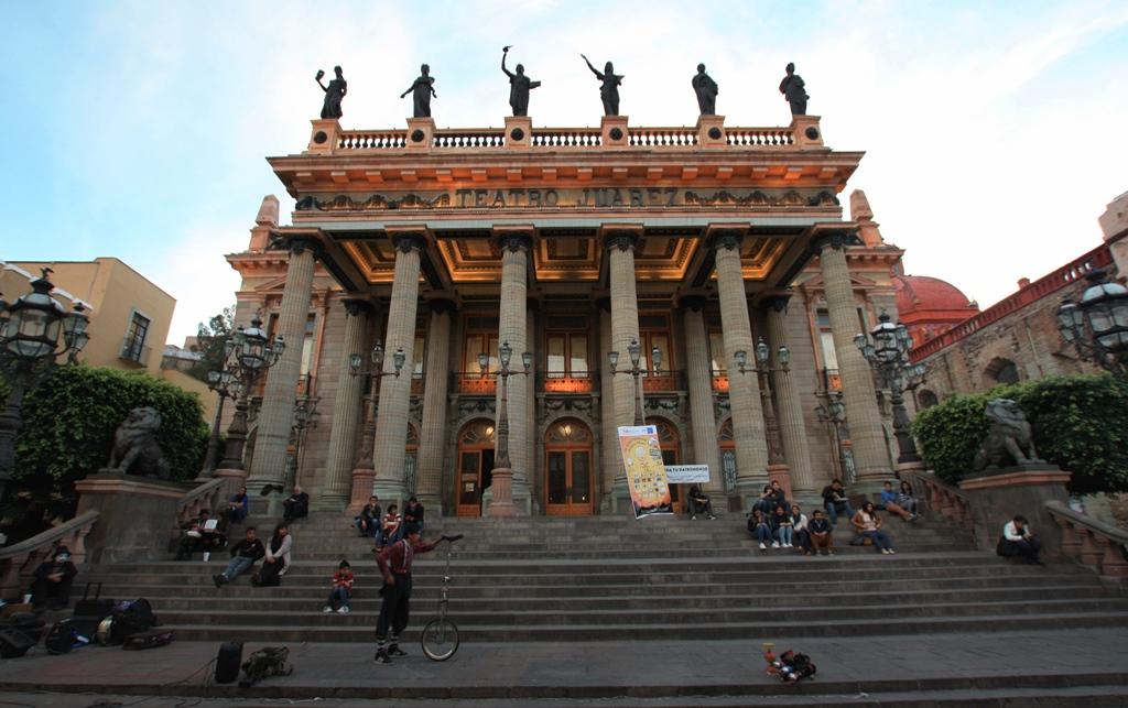 Kolonialer Charme: Das Teatro Juarez gehört zu den schönsten Gebäuden im Zentrum von Guanajuato. Foto: O. Zwahlen