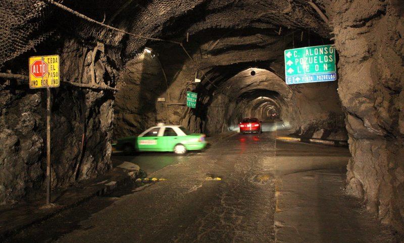 Keine Sehenswürdigkeit, trotzdem faszinierend: Vom Verkehrskonzept Guanajuatos könnten viele europäische Städte lernen. Foto: O. Zwahlen