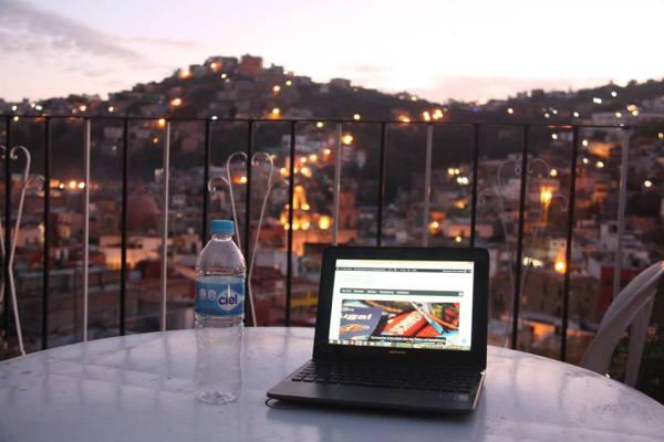Tolle Aussicht: Blick von der Terrasse der Casa Bertha. Foto: O. Zwahlen