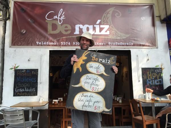 Besuch in einem der lokalen Cafés: Teil des gastronomischen Stadtrundgangs.