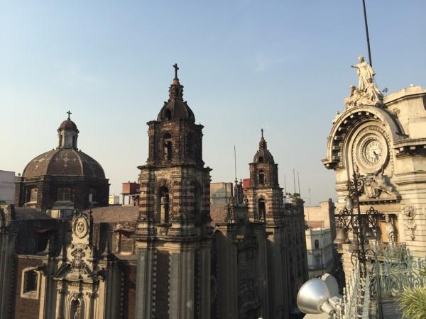 Etwas laut, aber mit grandioser Aussicht: Die Terrasse des Hotels.
