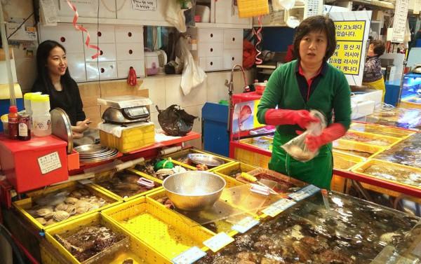 Gewaltige Auswahl an Sea Food im grössten Fischmarkt des Landes.