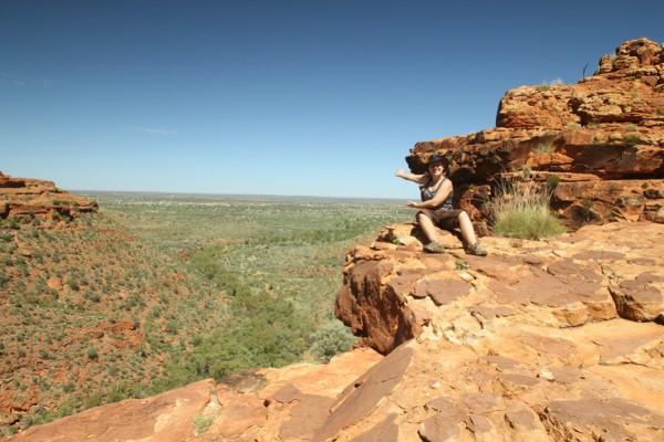 Endlose Weiten: Autorin Melanie Schmitt im australischen Outback-